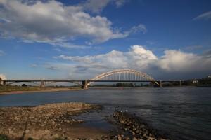 Aan de overkant van de rivier. De Oversteek bij Nijmegen